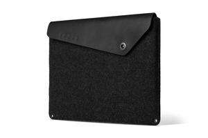 SL0033BK Macbook Pro 15 Sleeve MUJJO